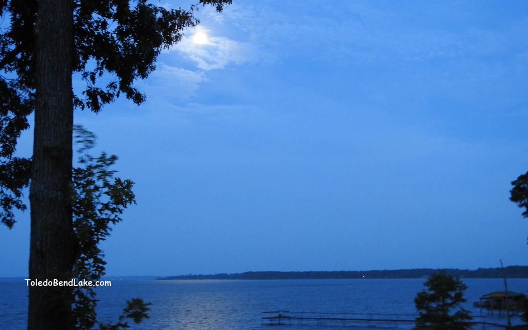 Moon over Toledo Bend